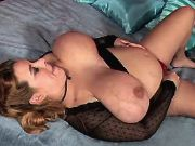 Pregnant milf masturbates in bed